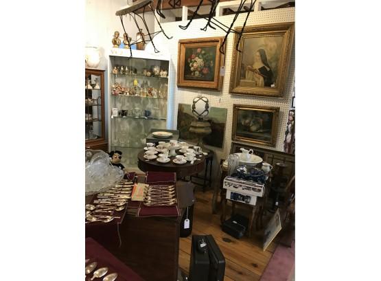 Debras Trinkets and Treasures   Auction Ninja
