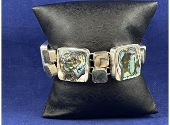 Ridgefield Thrift Shop | Auction Ninja